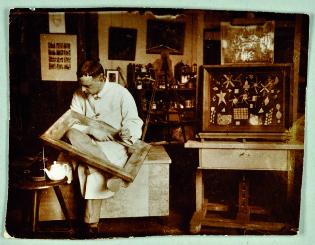 Paul Klee in seinem Atelier, Bauhaus Weimar, 1924