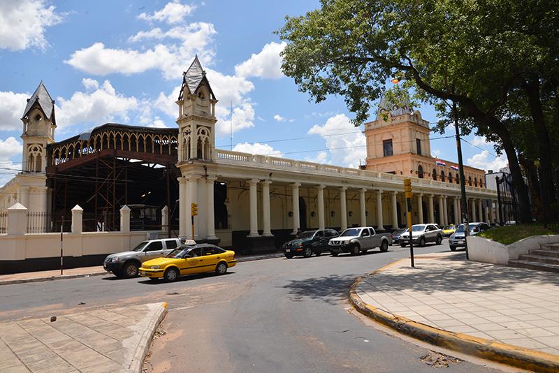 Der stillgelegte Bahnhof in Asuncion.