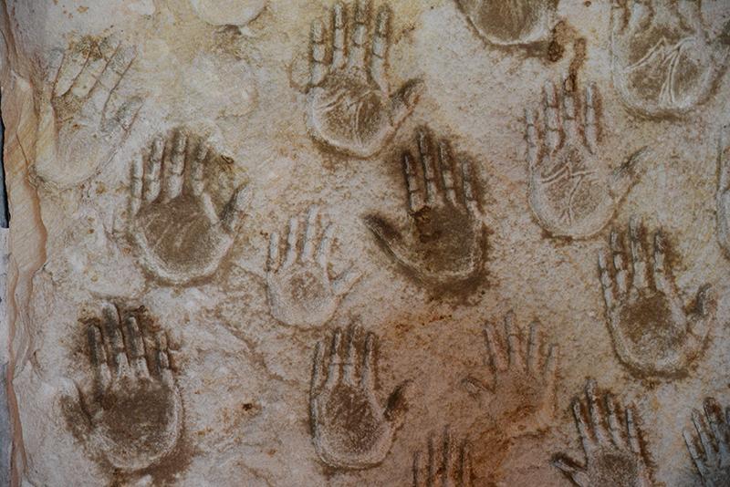 Handabdrücke von Pilgern.