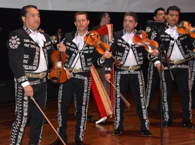 """Mein mexikanisches Lieblingslied """"Perfidia"""" wollten die Mariachi leider nicht singen, so sehr ich auch bettelte. Fröhliche Musik war angesagt, nicht das eher traurige Perfidia."""