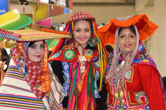 Peruanerinnen in der Landestracht.