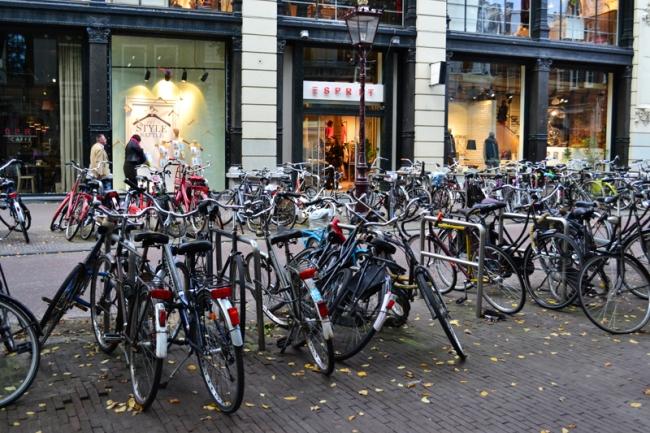 Einkaufsmeile in Amsterdam.