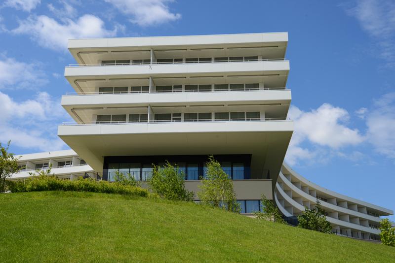 Das Gebäude der Oberwaid hat die Form des Taukreuzes.
