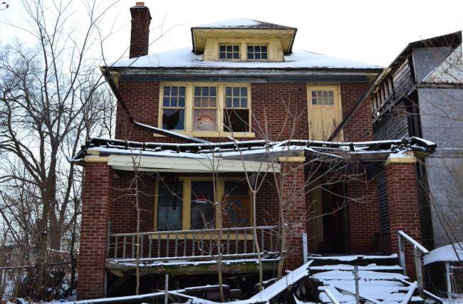 Eines der vielen leer stehenden Häuser in Detroit.