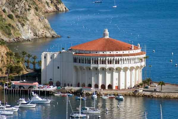 Das Casino ist das Wahrzeichen von Avalon.