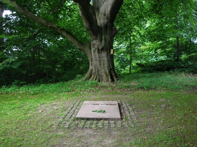 Das Grab von Karen Blixen auf Rungstedlund.