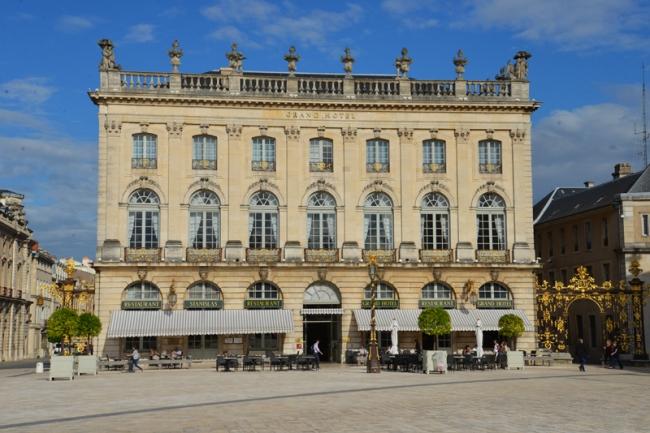Grand Hotel de la Reine.
