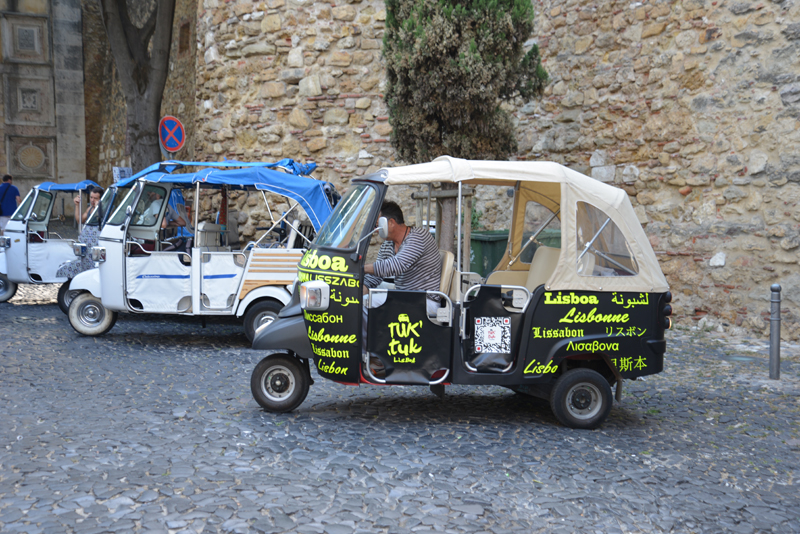 Tuk-Tuk-Safari durch Lissabon