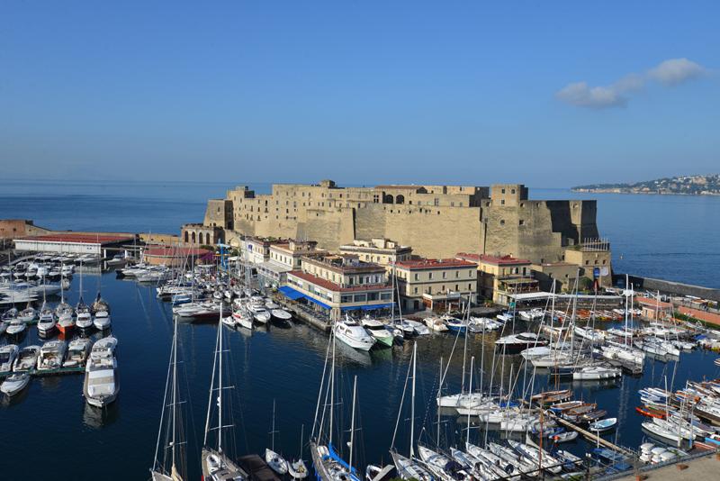 Neapel – Spaziergang durch die chaotischste und außergewöhnlichste StadtItaliens