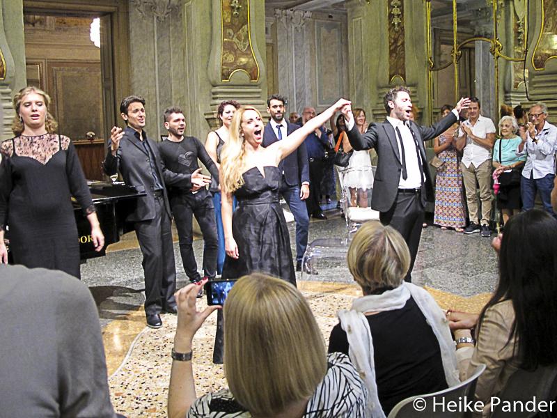 """Teatro Grande, Foyer, 1. Akt, """"La Traviata"""", Brescia"""