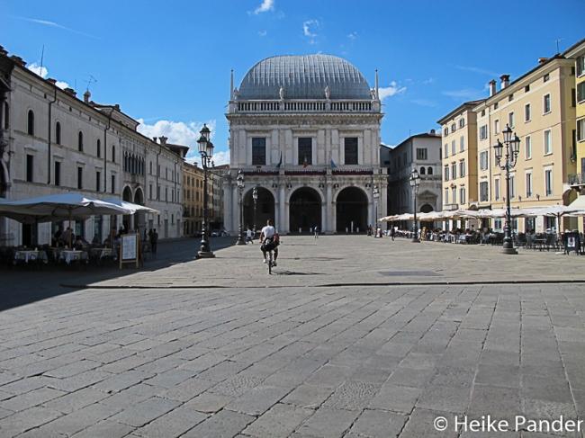 Piazza della Loggia mit gleichnamigem Palazzo