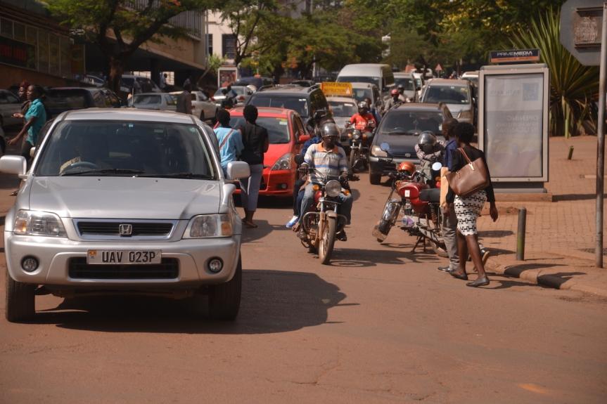 Kampala: Im Verkehrschaos zuHause