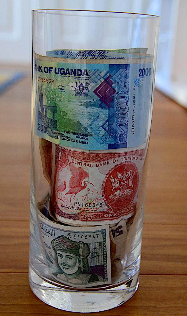 Wohin mit übrig gebliebener Auslandswährung?